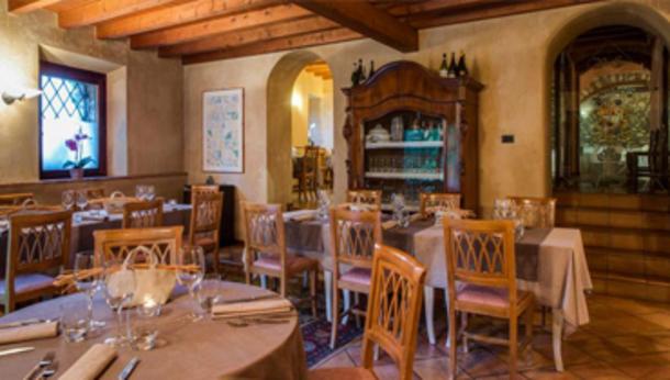 Il Venerdì sera cena + musica al Pi Castel di Brescia