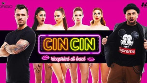 CIN CIN ricoprimi di baci @ discoteca Hollywood