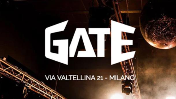 Sabato sera alla discoteca Gate di Milano