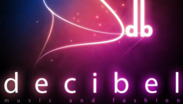 Weekend Latino al Decibel Club
