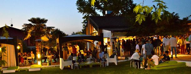 Sand bar, piscina, ristorante a Romanengo, Cremona