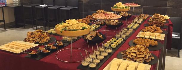 Offerta aperitivi e feste di compleanno/laurea o eventi speciali