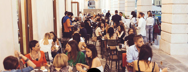 Offerta aperitivi e feste di compleanno/laurea o eventi speciali al Vita Brescia